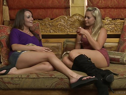 Lena Nicole needed some era alone with her bff Jenna Rose