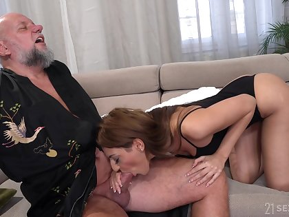 Crinite older alms-man is treated with a nice blowjob by lovely Sarah Cute